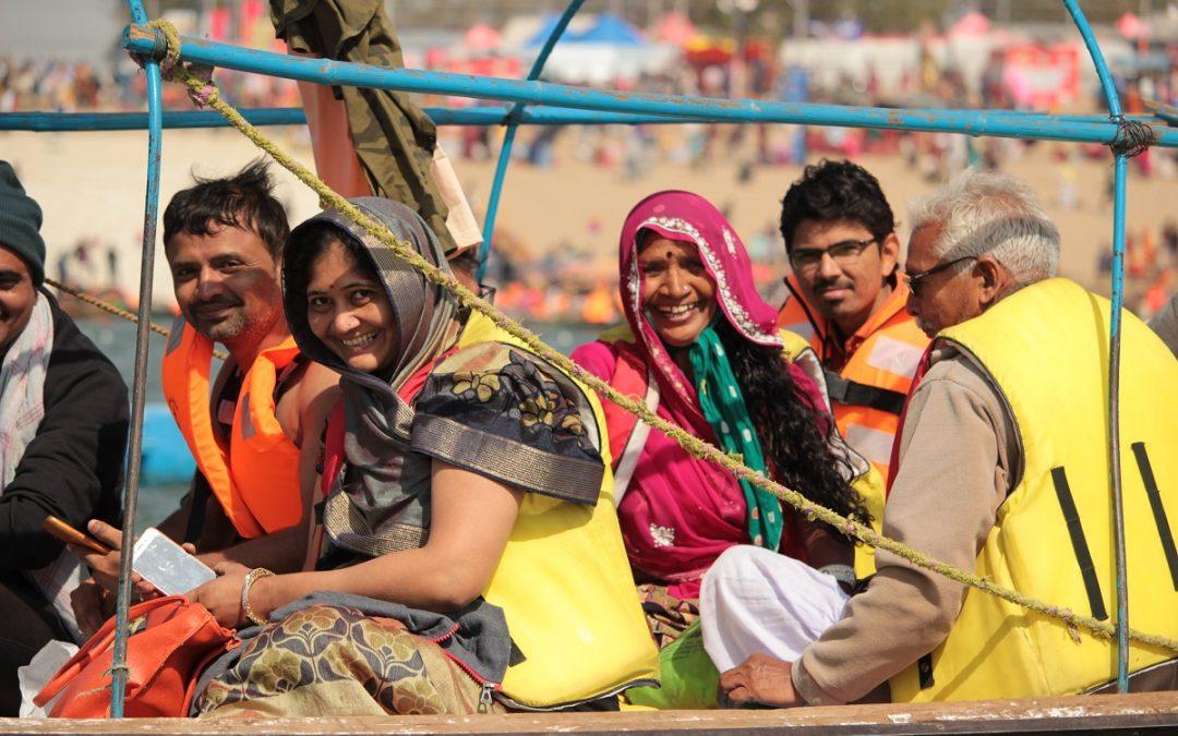 ALL'ARDHA MELA: Il pellegrinaggio di massa degli hindu per il bagno rituale nel sacro fiume Gange – Diario di viaggio